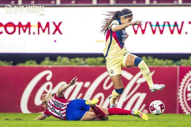 De mano de Daniela Espinoza, América femenil se lleva el clásico ante Chivas