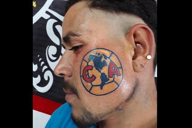 Aficionado del América se tatuó el escudo ¡en el cachete!