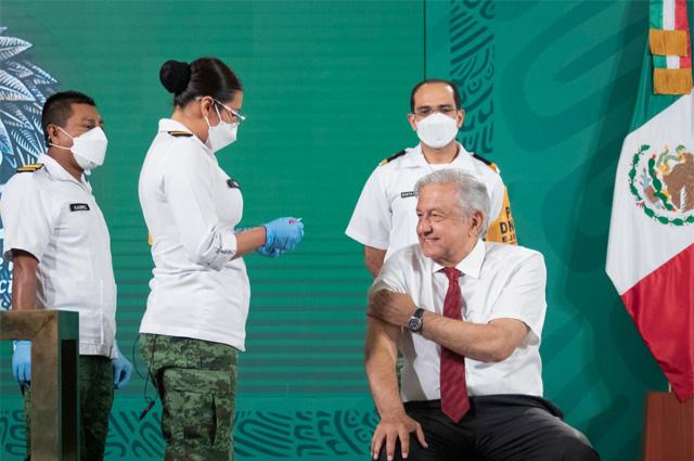 AMLO recibió segunda dosis de vacuna anticovid