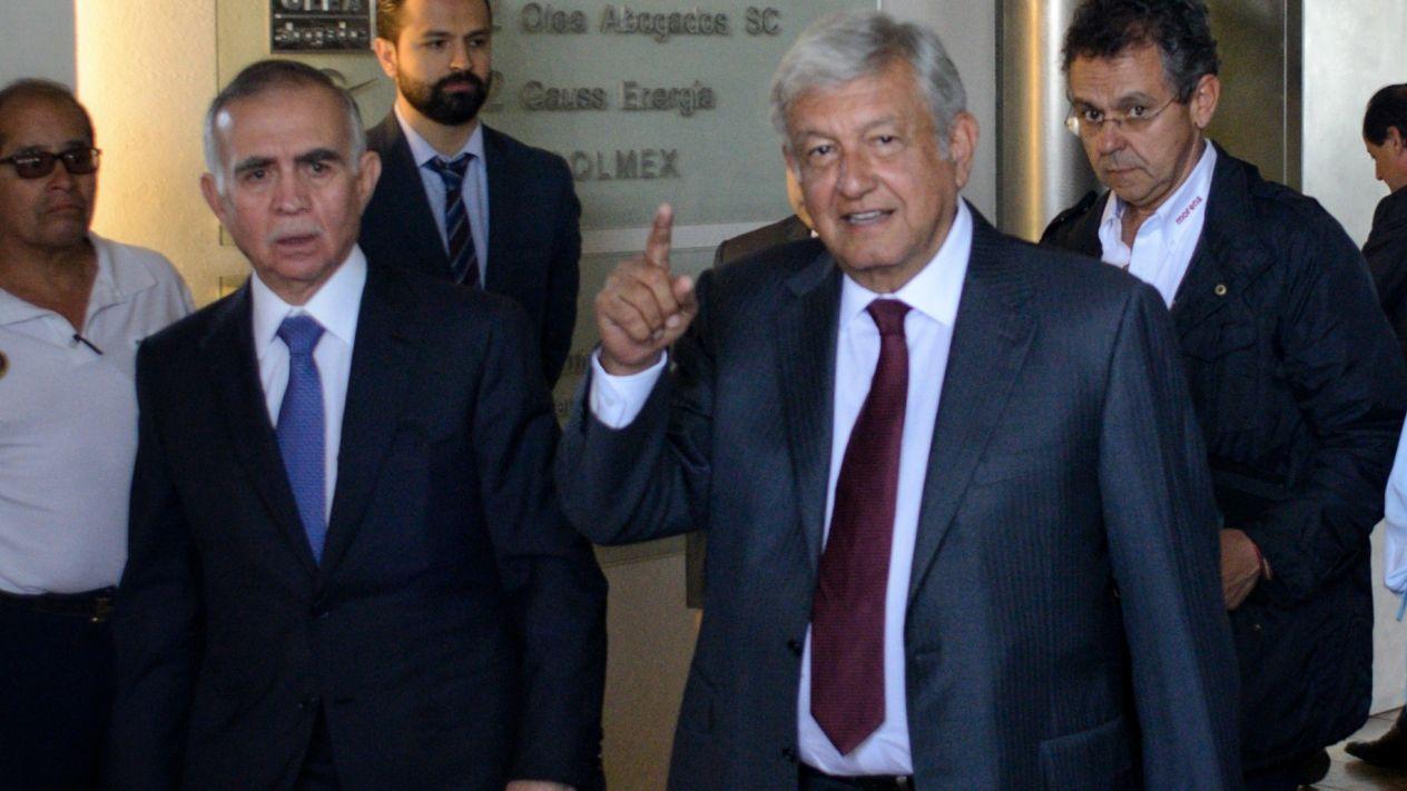 AMLO y empresarios de Monterrey pactan desarrollo y crear empleos