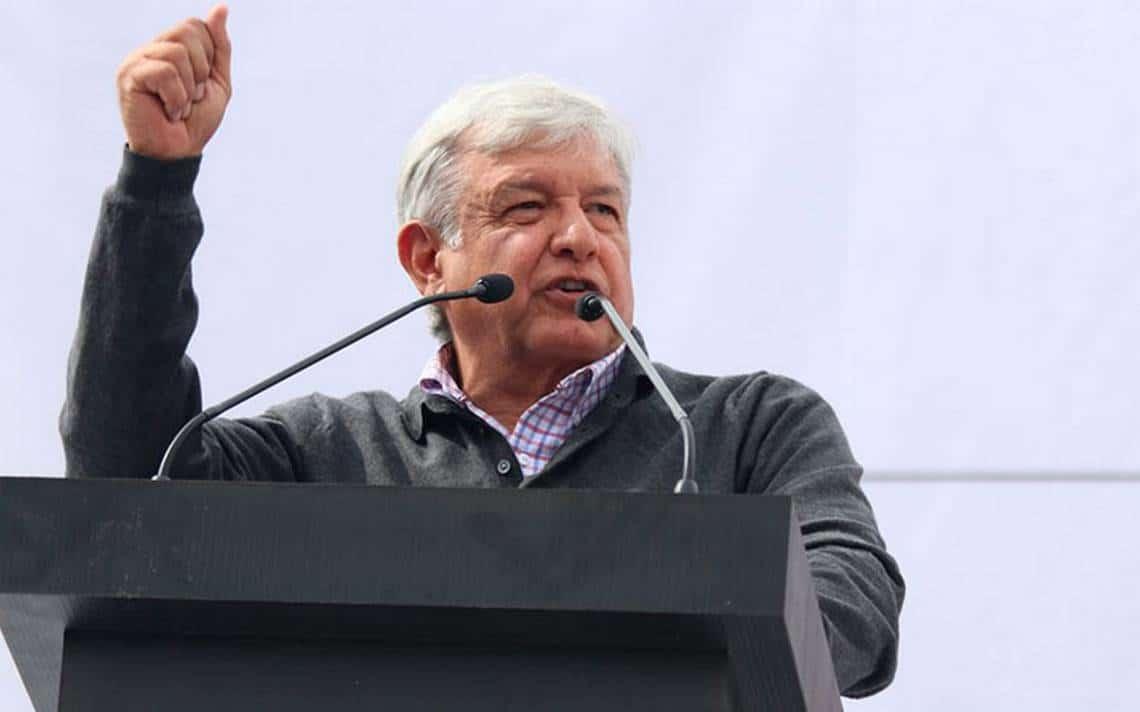AMLO arribó a Veracruz por reuniones en el puerto