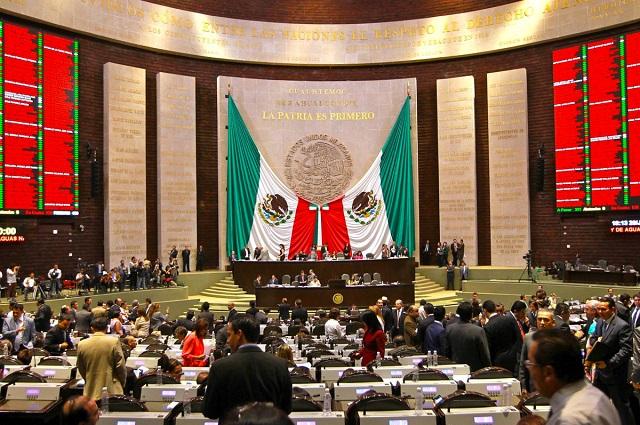AMLO descarta reforma al Poder Judicial y critica a legisladores