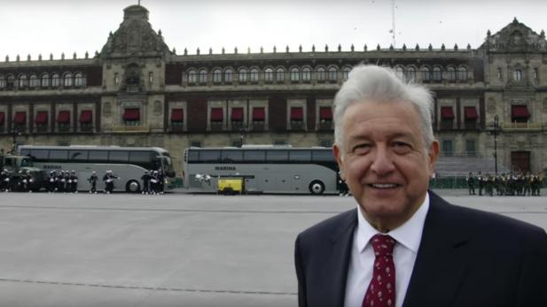 """El ciudadano que se """"coló"""" a Palacio Nacional y charló con AMLO"""