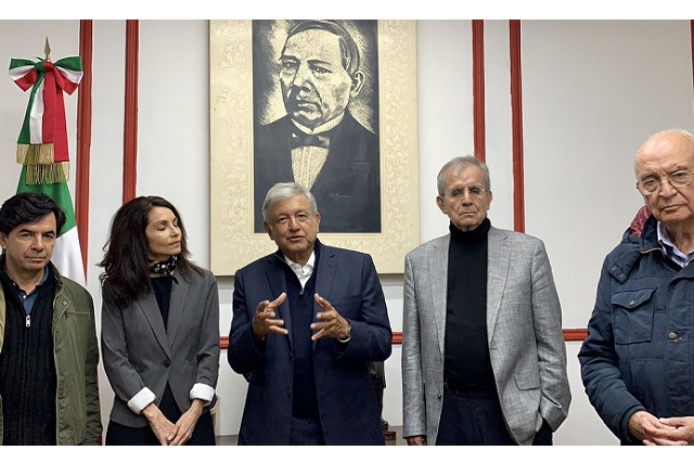 AMLO presenta convocatoria para la Constitución Moral