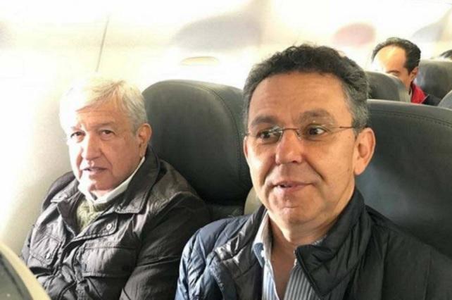 Especulan que César Yáñez renunció por el escándalo que provocó su boda