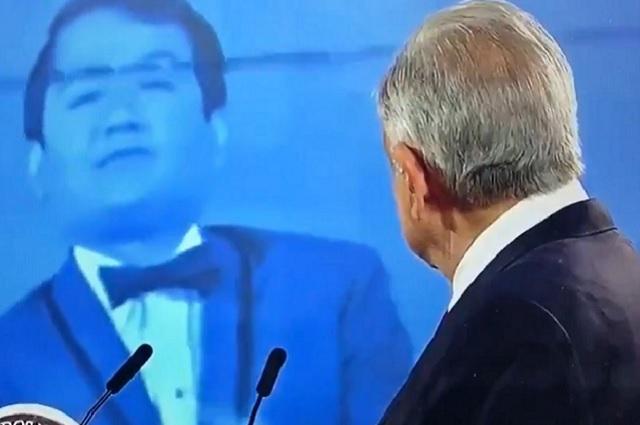 AMLO se conmueve al enterarse del deceso de Armando Manzanero