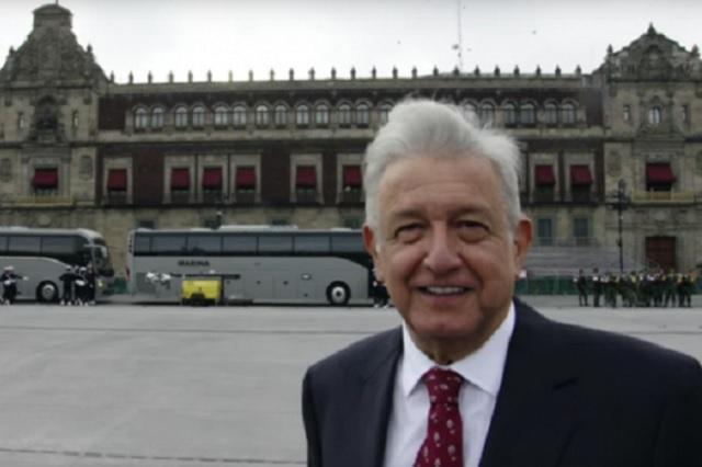 AMLO llega a Palacio Nacional para reunión con EPN