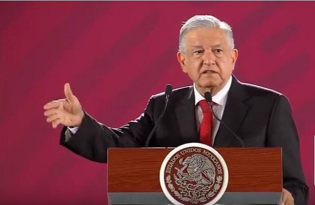 Plan de negocios para Pemex prevé reducirle carga fiscal, dice AMLO