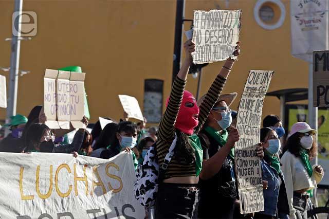 Marchas feministas violentas dan mala espina: AMLO