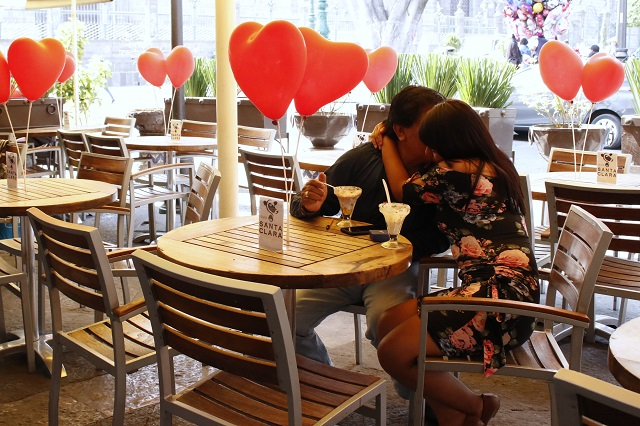 Estar enamorado aumenta las defensas contra el coronavirus