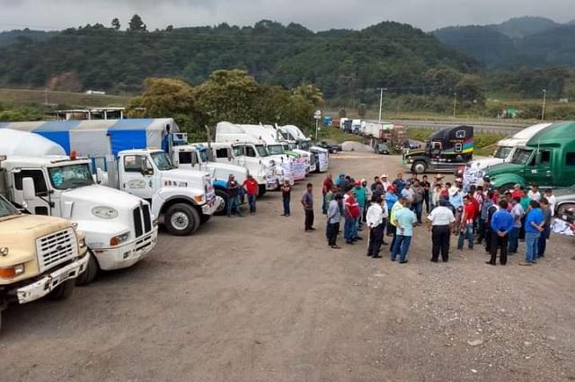 AMOTAC Tehuacán se suma a bloqueo nacional para exigir seguridad