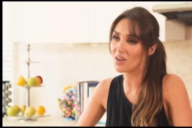 Video: Anahí enseña a hacer enfrijoladas y se burlan de ella