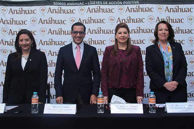 Universidad Anáhuac y senadora Leal Islas lanzan beca para certificar inglés