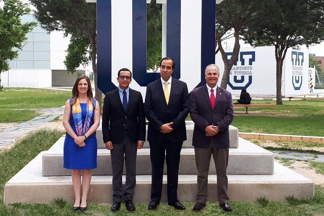 Rector de Anáhuac Puebla, directivo de universidades de Legión de Cristo