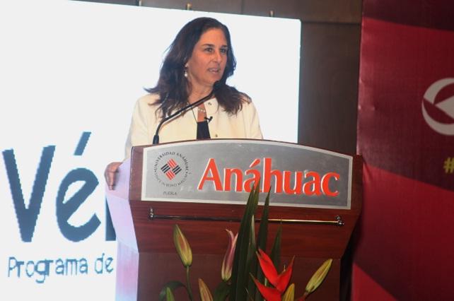 Reúne Universidad Anáhuac a las mujeres más influyentes en congreso