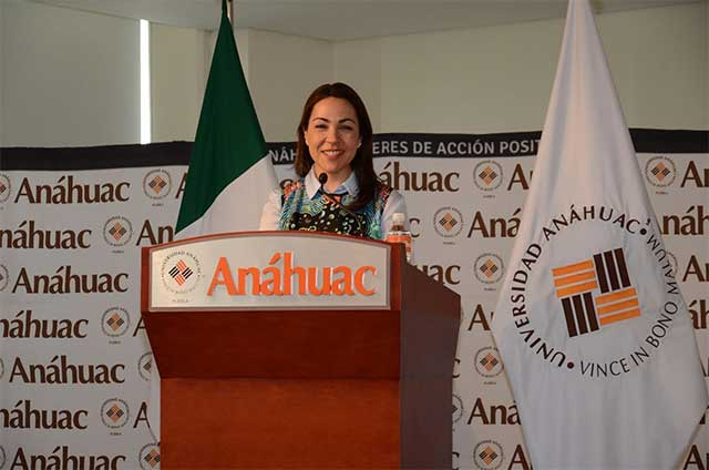 Fundadora de Pineda Covalin abre Congreso de Diseño en la Anáhuac