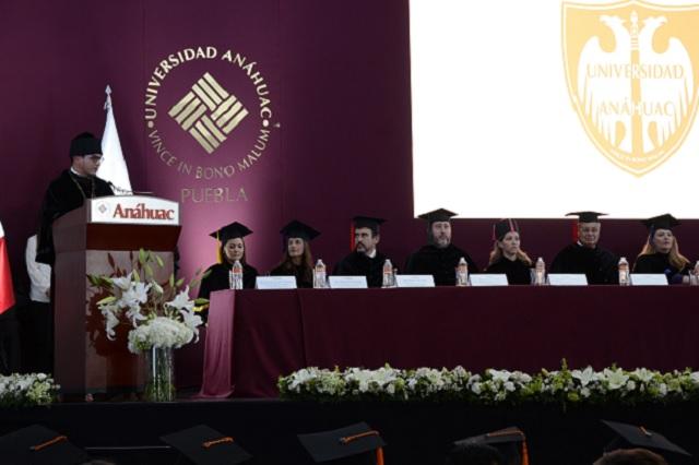 Universidad Anáhuac Puebla celebra graduación 2019