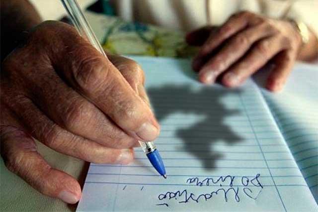 Alto analfabetismo y abandono escolar ubica el INEE en Puebla