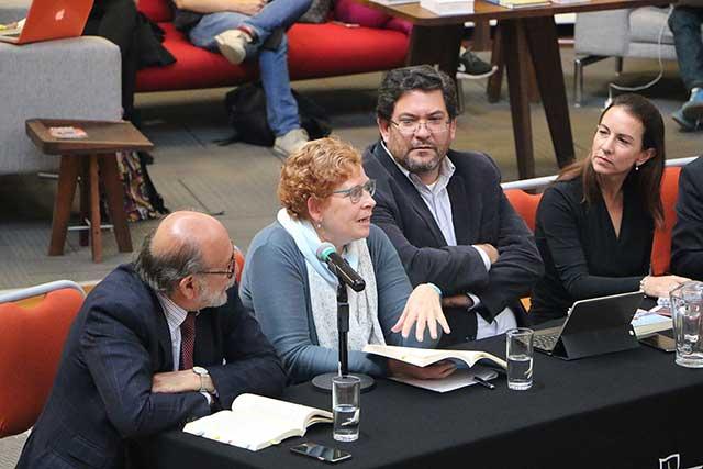 Académica IBERO Puebla analiza las políticas sociales en México