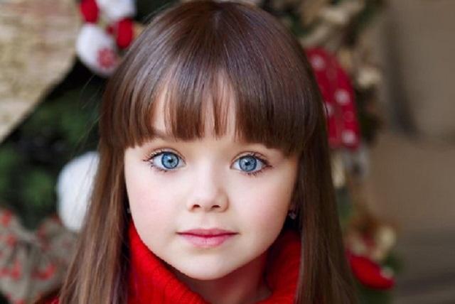 Así se ve la niña que en 2017 fue llamada la más hermosa del mundo