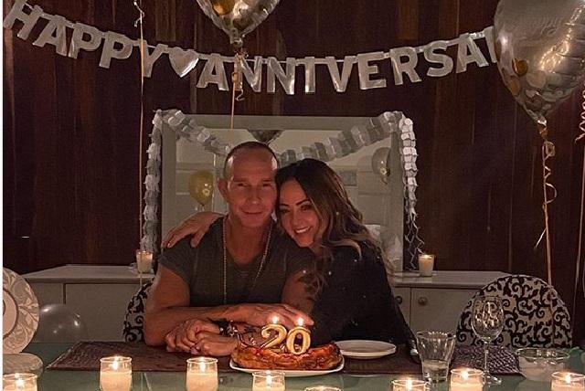 Así celebraron Andrea Legarreta y Erik Rubín su aniversario de bodas