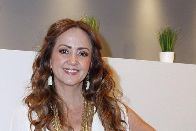 Andrea Legarreta da positivo a Covid-19, su familia en cuarentena