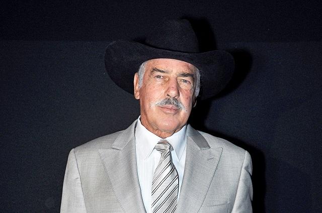 Andrés García afirma que Luis Rey quería deshacerse de su esposa