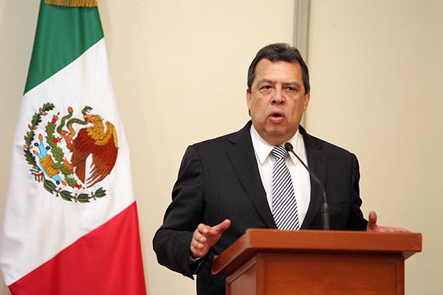 Ángel Aguirre anuncia que retirará su solicitud de ser diputado del Frente