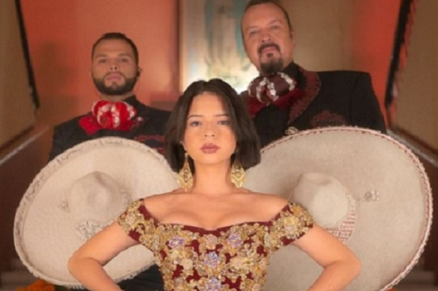 ¿Cuánto pagaría Angela Aguilar si la multaran por interpretación del Himno Nacional?