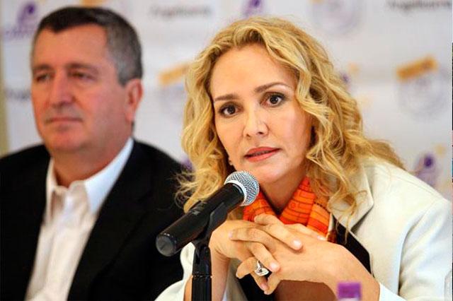 Suspenden al juez que ordenó detener a Angélica Fuentes