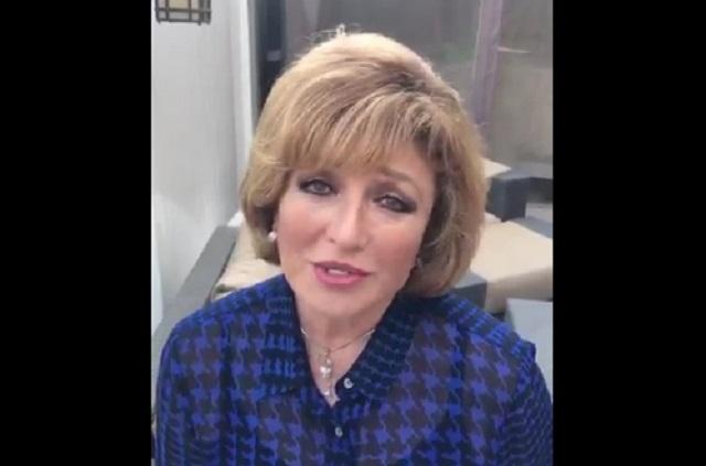 VIDEO Angélica María sufre tremenda caída en el escenario
