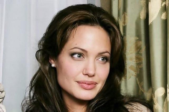 Angelina Jolie confiesa que quiso casarse con una mujer