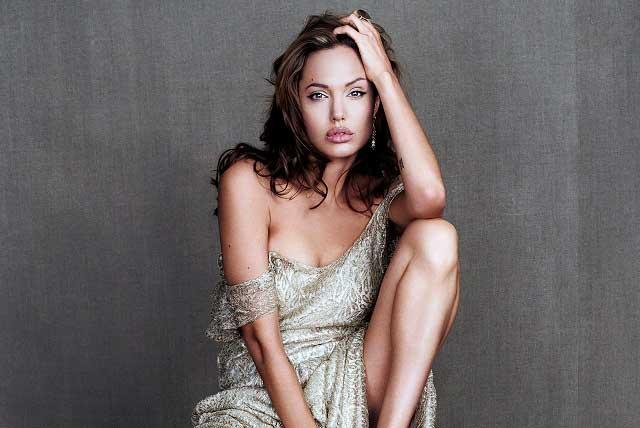 Papá de Angelina Jolie habla sobre el acoso que sufrió la actriz