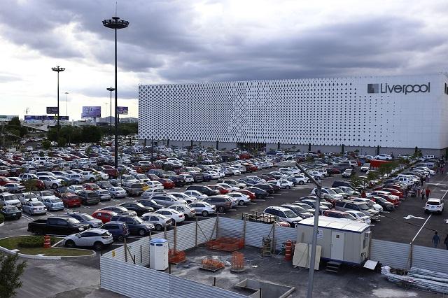 Estacionamiento más caro en Angelópolis y Galerías Serdán