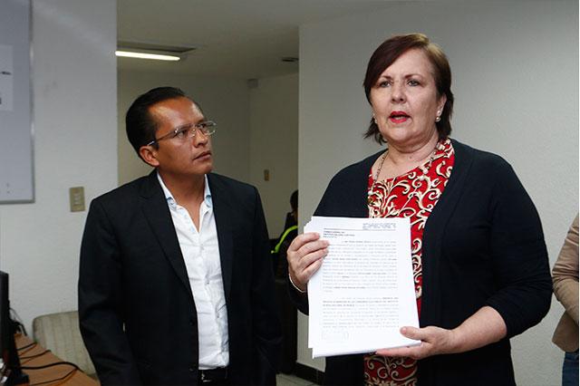 Presenta Ana Tere juicio para destituir a los 7 consejeros del IEE