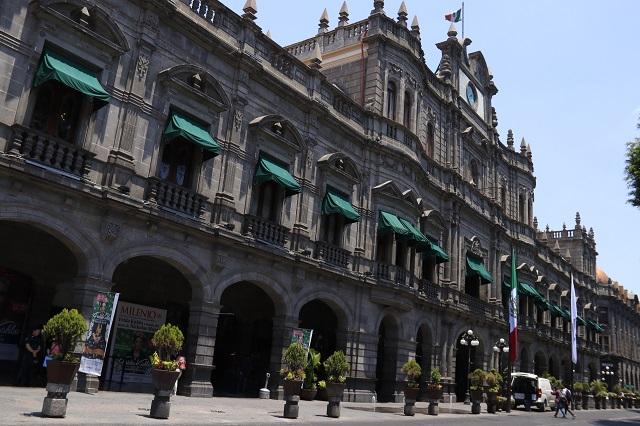 Empleados denuncian acoso laboral en gobierno capitalino
