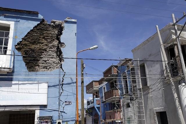Ofrecen terminar en 2022 reconstrucción de viviendas