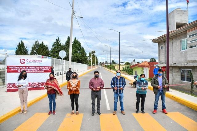 Inaugura edil de Coronango obras de pavimentación