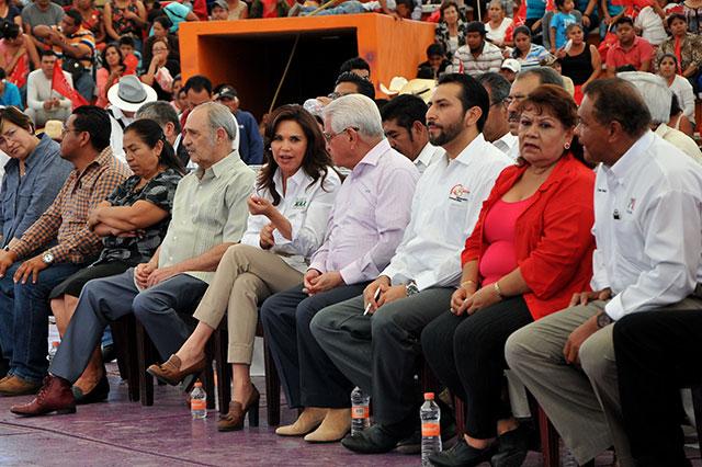 Aquiles Córdova ofrece el apoyo de Antorcha a Blanca Alcalá