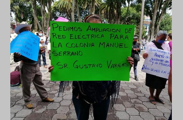 Protestan antorchistas en Huauchinango, piden obras