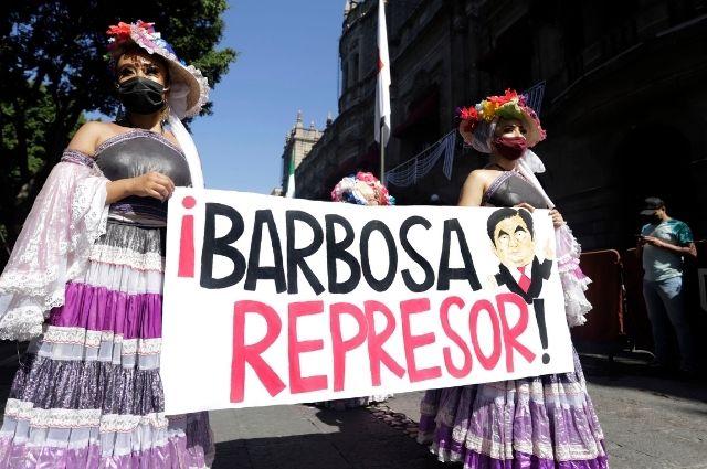 Antorcha Campesina tunde de nuevo a Barbosa en redes