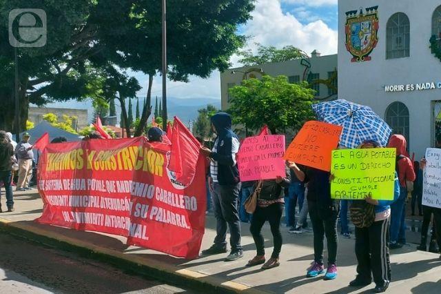 Protestan antorchistas por obra atrasada en Tehuacán