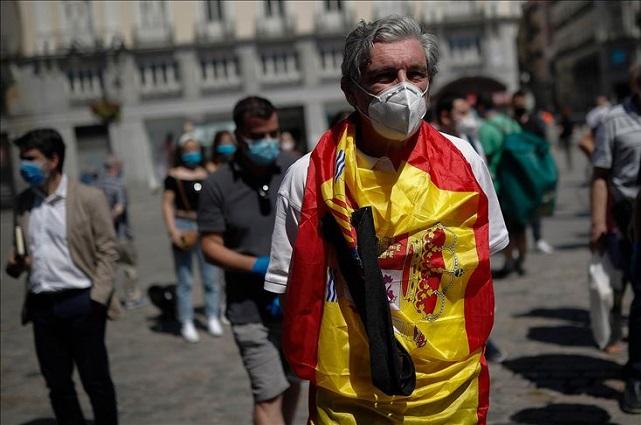Anuncian nuevamente toque de queda nocturno en España
