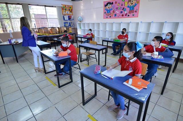Anuncian regreso a clases como actividad esencial