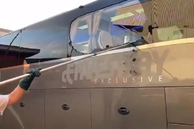 UCL: apedrean autobús del Real Madrid en su llegada a Anfield