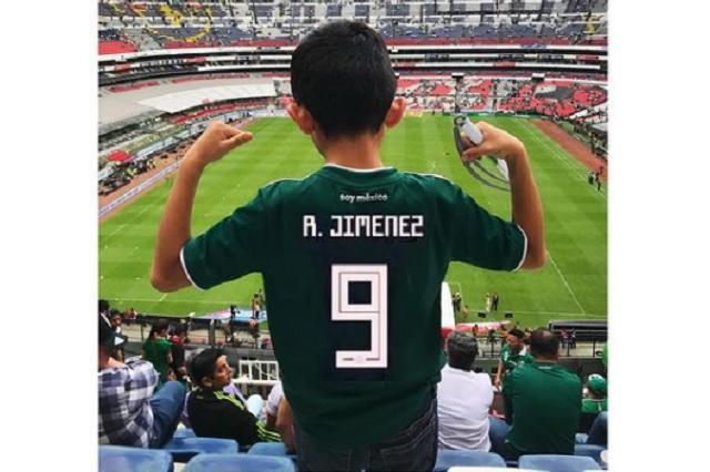 Afición de Wolves recauda fondos para hacer un regalo a Raúl Jiménez