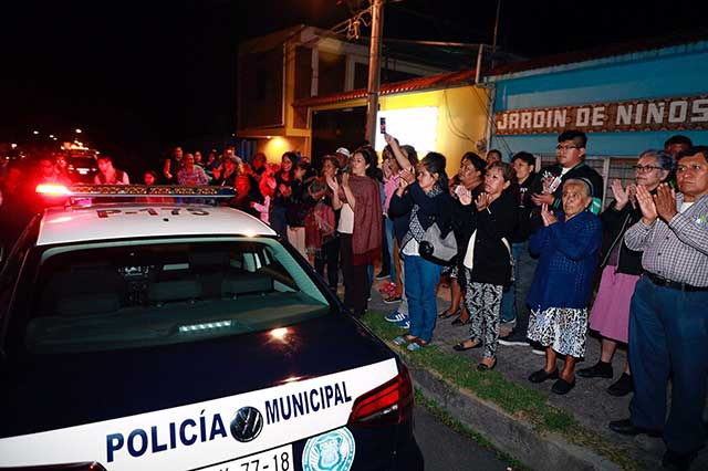 Familias de la Aquiles Serdán reciben una patrulla equipada