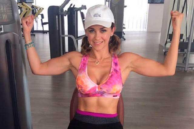Michelle Vieth y su hija motivan a Aracely Arámbula en el gimnasio