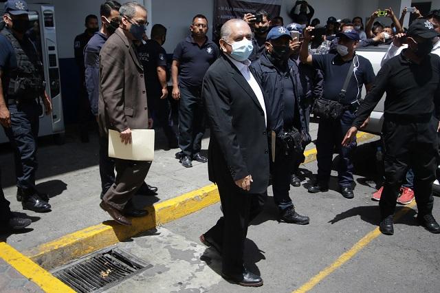 Negocia Ardelio Vargas con policías al tercer día del paro