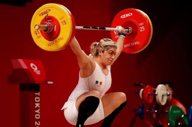 Aremi Fuentes denuncia la 'mentira olímpica' al recibir cheque sin fondos